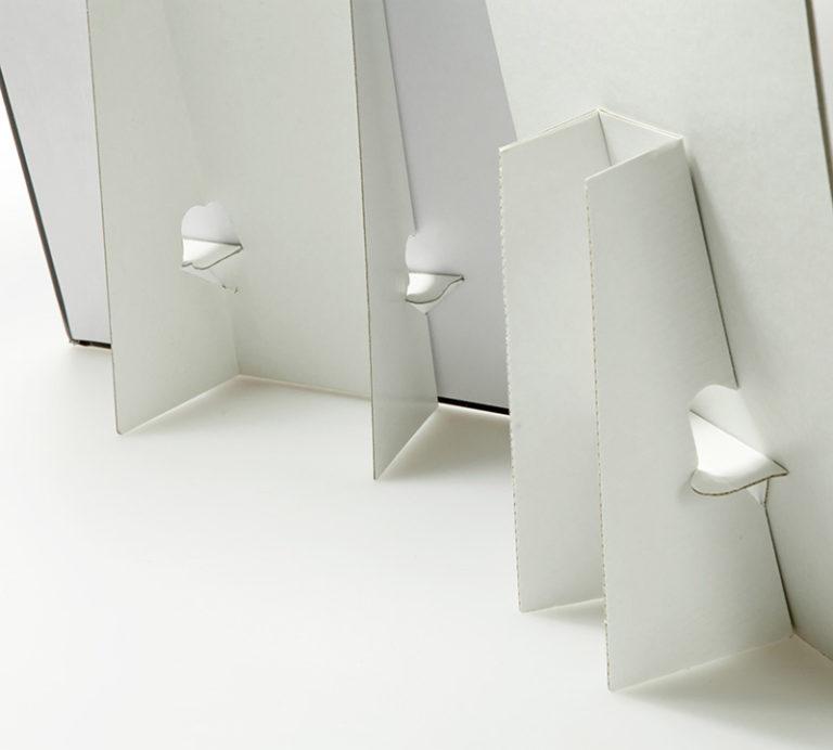 Cartotecnica - Particolare del retro di due cartelli vetrina