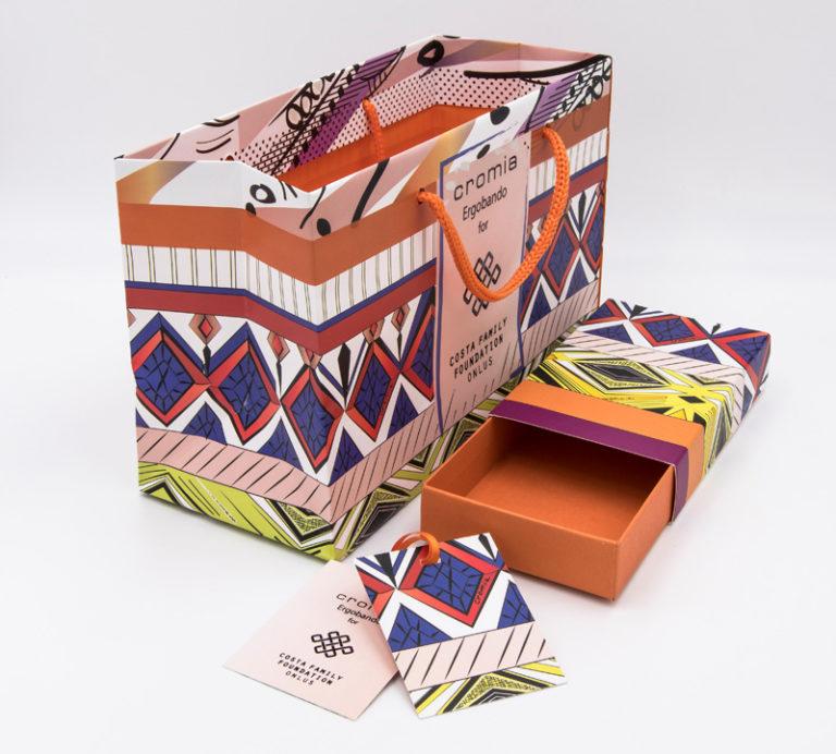 Cartotecnica - Busta e scatola con cartellini